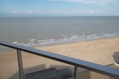 Appartement op de zeedijk te Westende