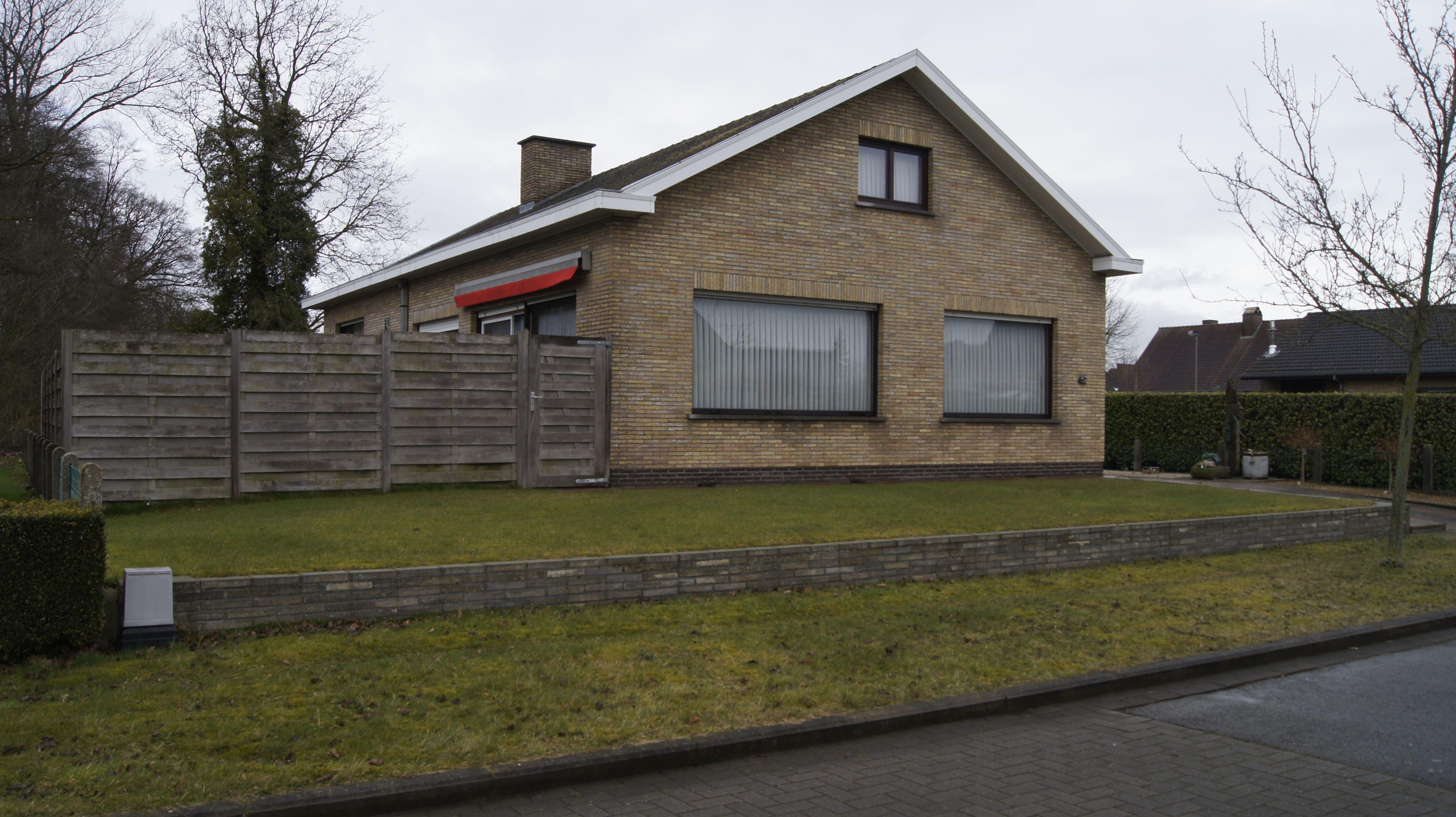 Ruime villa te Oostkamp